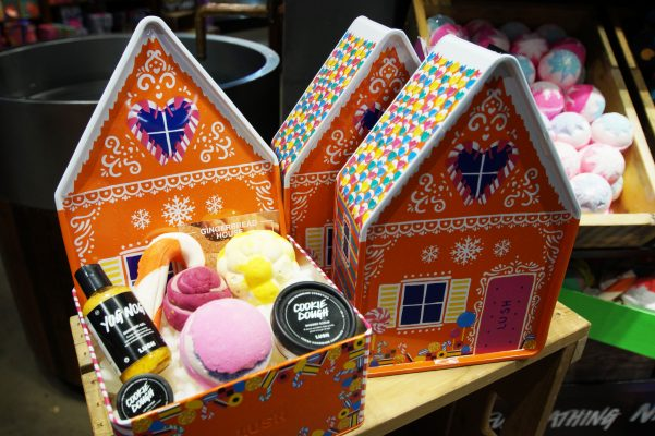 Lush Gingerbread Holiday Gift Set 19